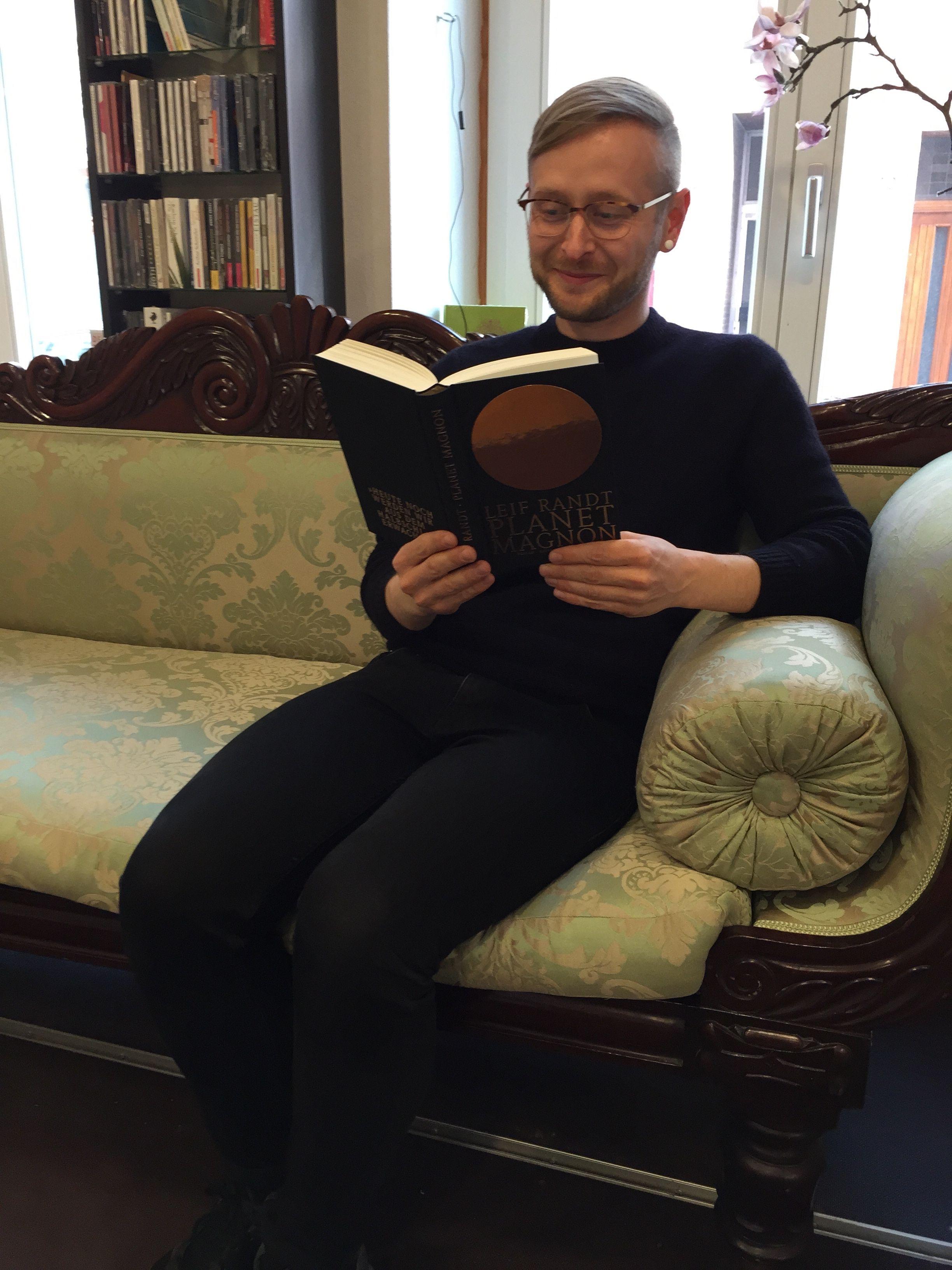 Fabian Klein liest Planet Magnon von Leif Randt