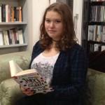 """Maya Suvak liest  """"Mein Herz und andere schwarze Löcher"""""""