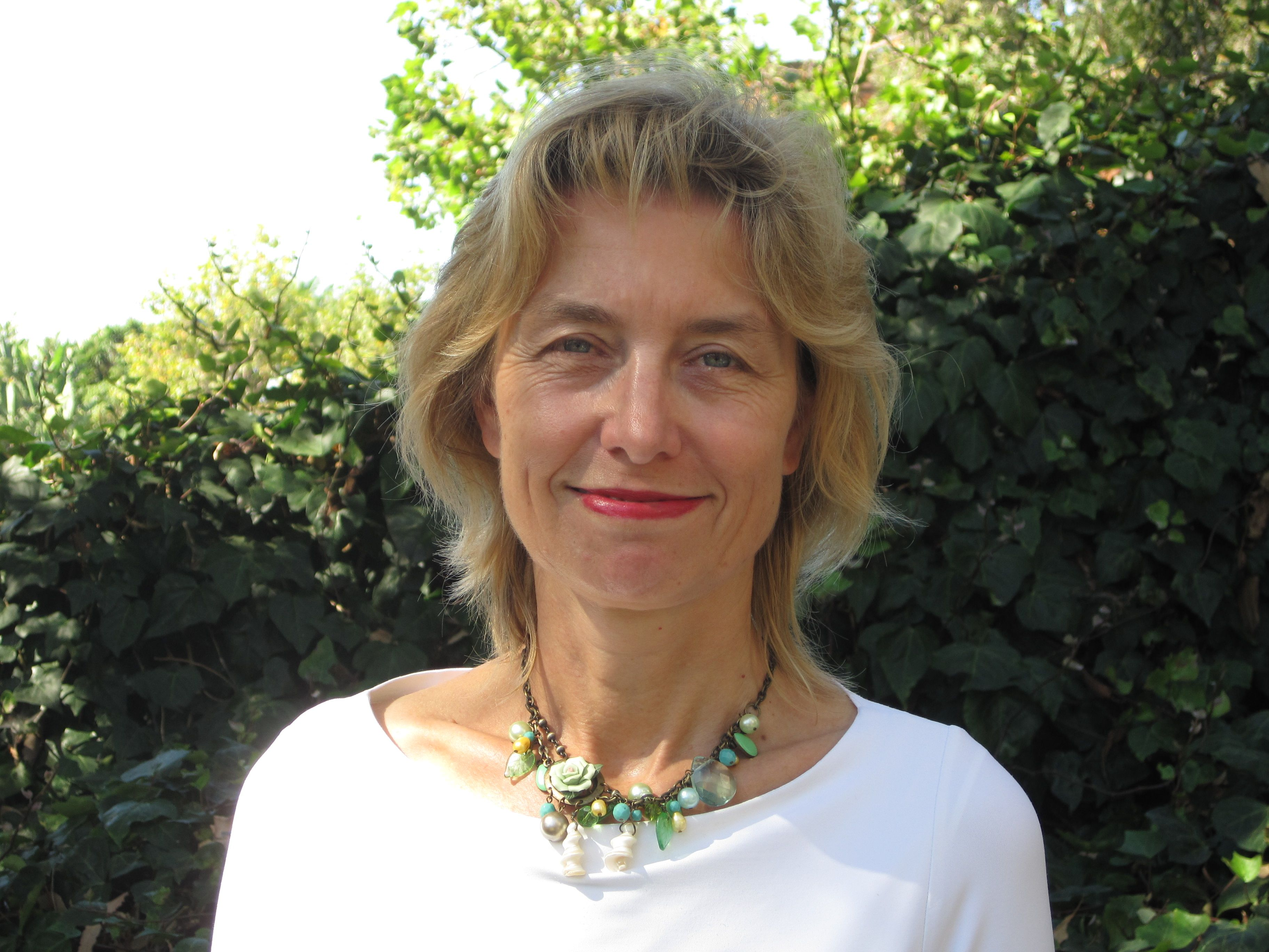 Susanne Kippenberger : Das rote Schaf der Familie -  Jessica Mitford am Freitag 30.01.2015 um 20 Uhr